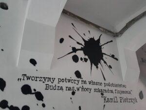 Mural autorstwa zmarłego nauczyciela